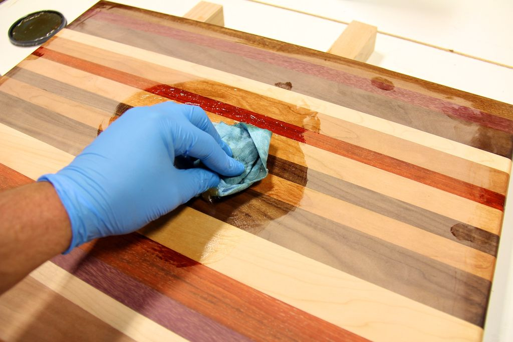 Benefits-of-Tung-Oil-as-a-Woodworking-Finish