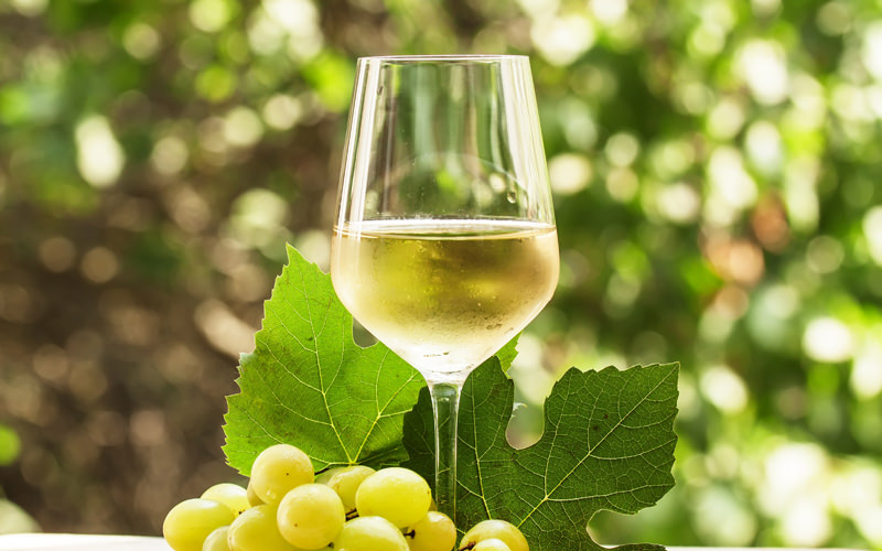 benefits-of-white-wine